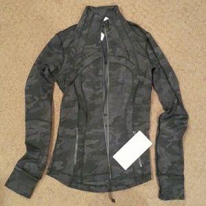 Nwt Lululemon Define Camouflage jacket size 4